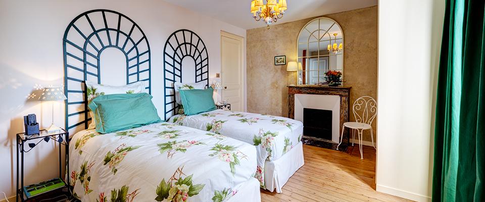 Chambre Au jardin avec 2 lits simples