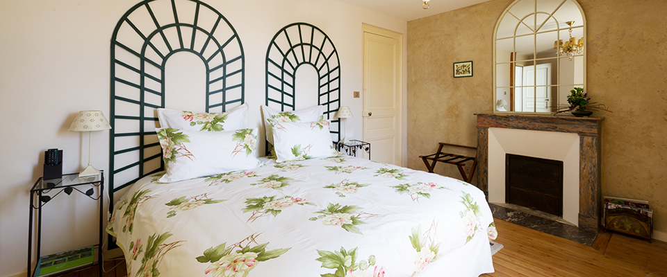 Chambre Au jardin avec grand lit double